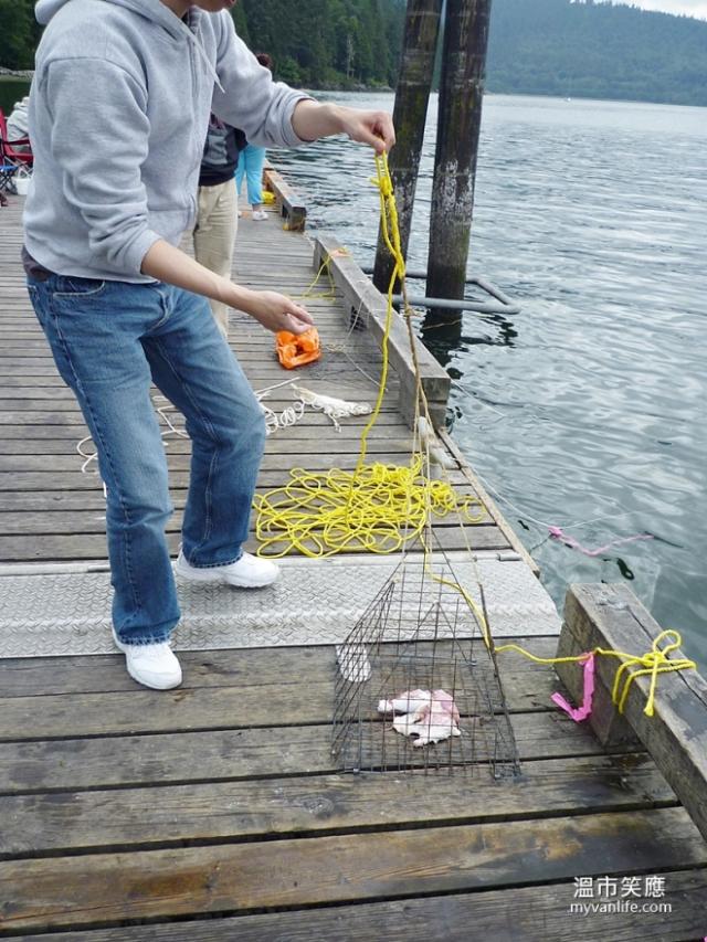 activityP1070954-15crabfishing