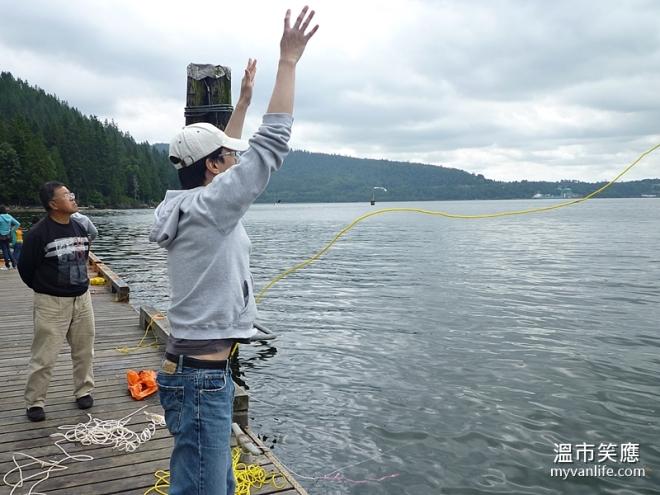 activityP1070955-16crabfishing
