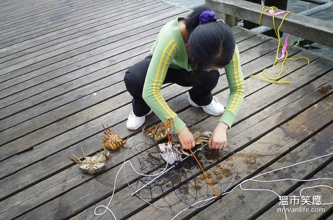 activityP1070958-17crabfishing
