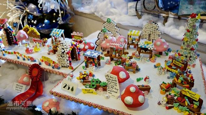 ChristmasRDSC05501GingerbreadLane