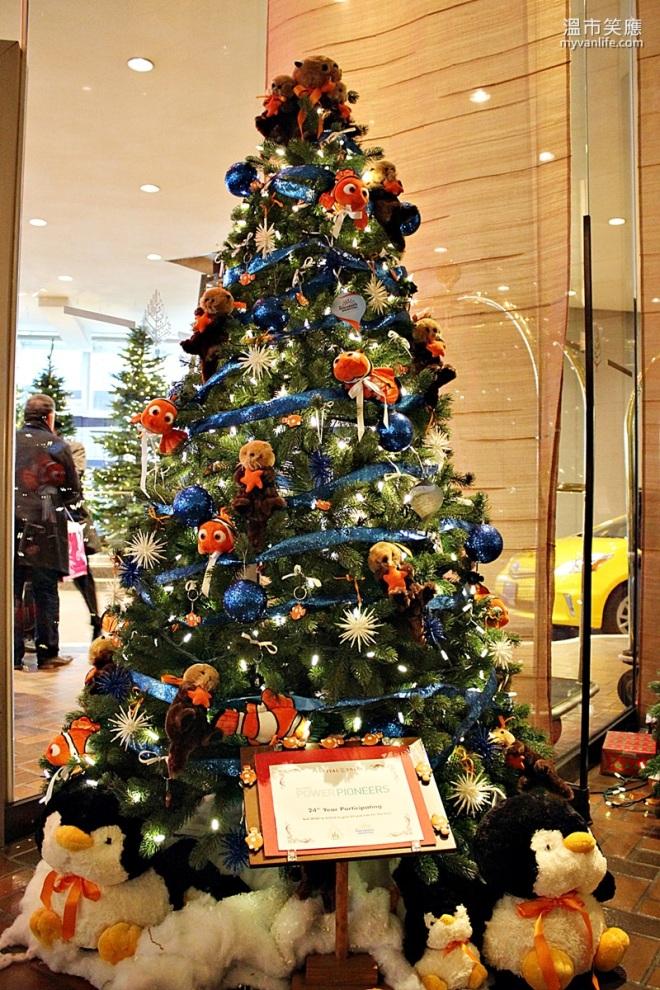 ChristmasRIMG_7294FourSeasonsTrees