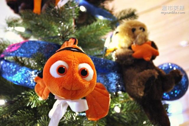ChristmasRIMG_7296FourSeasonsTrees