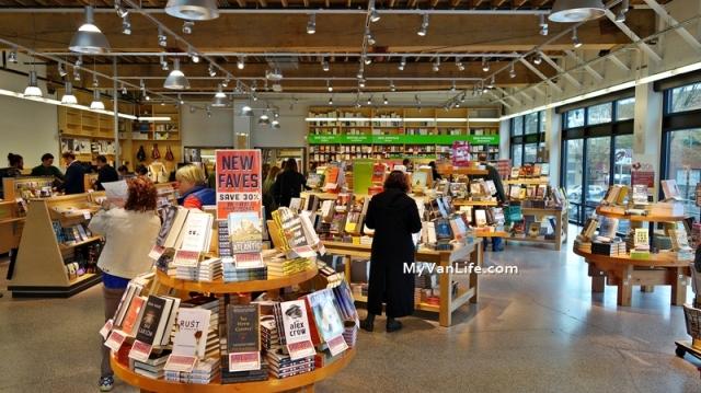 bookstoreDSC06860Powells