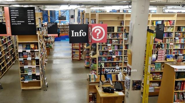 bookstoreDSC06872Powells