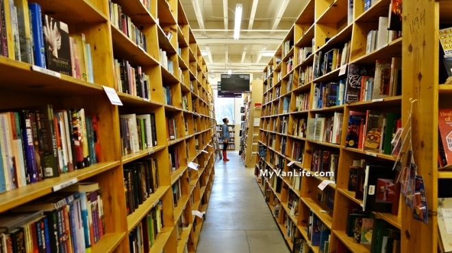 bookstoreDSC06878Powells