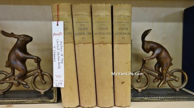 bookstoreDSC06899Powells