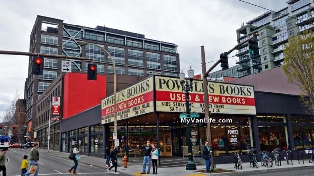 bookstoreDSC06932Powells