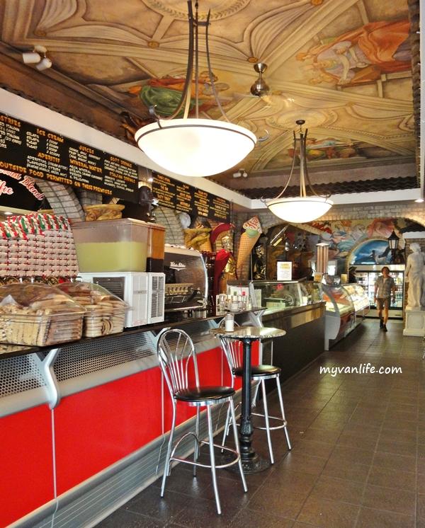 restaurantCaffe Calabria (7)vanicecream
